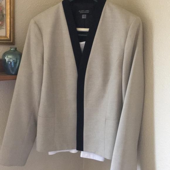 Black Label Jackets & Blazers - Cream jacket black lapels size 16 looks like linen